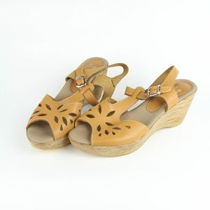 Spring Step Womens Shoes Sandals Italy Buckle 39